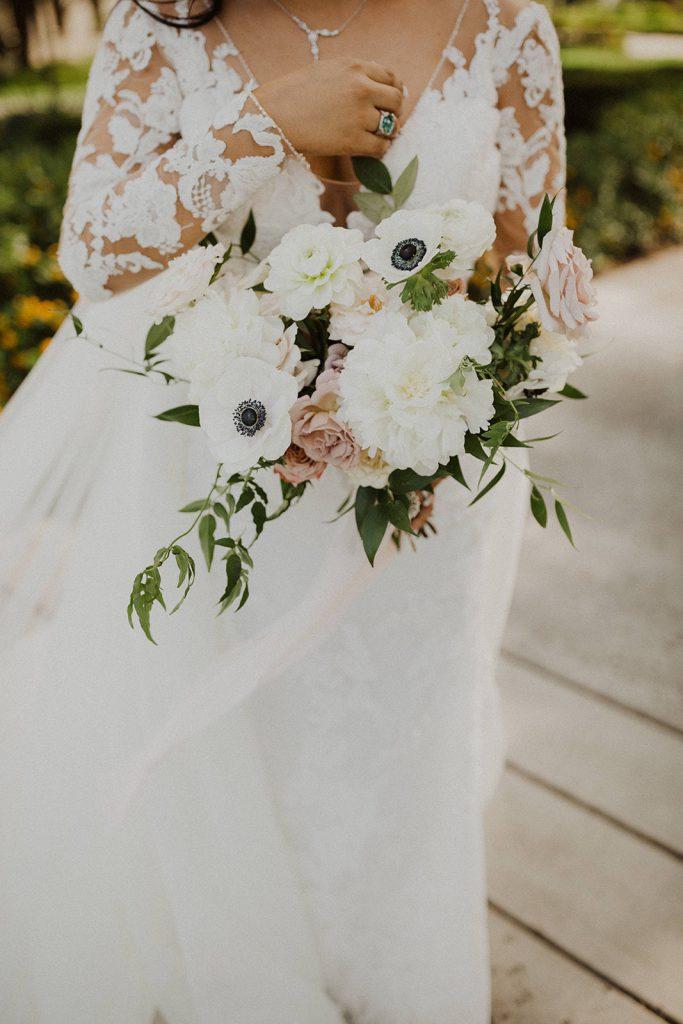 blush mauve white bouquet